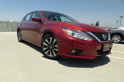 New 2016 Nissan Altima 2.5 SV FWD 4D Sedan