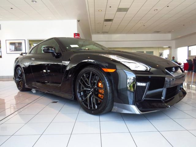 New 2017 Nissan GTR Premium 2D Coupe in Tustin 170001  Tustin